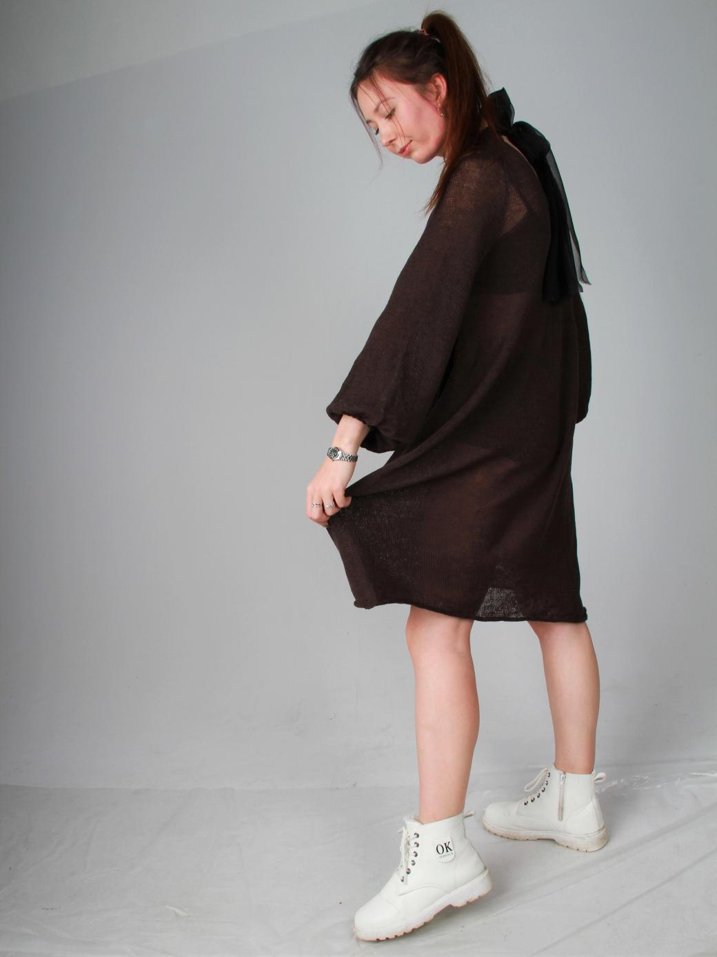 Вязаное платье с бантом