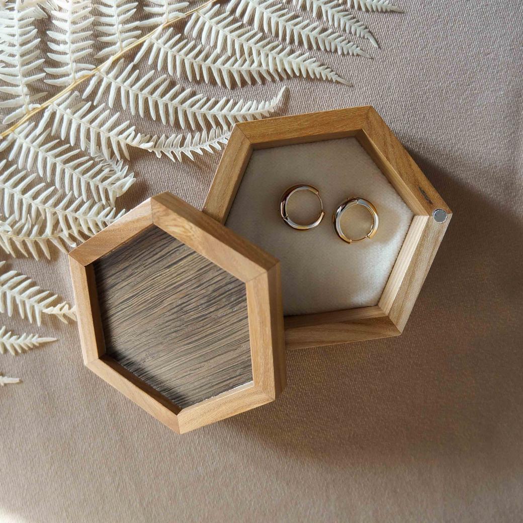 Шкатулка для колец и небольших украшений