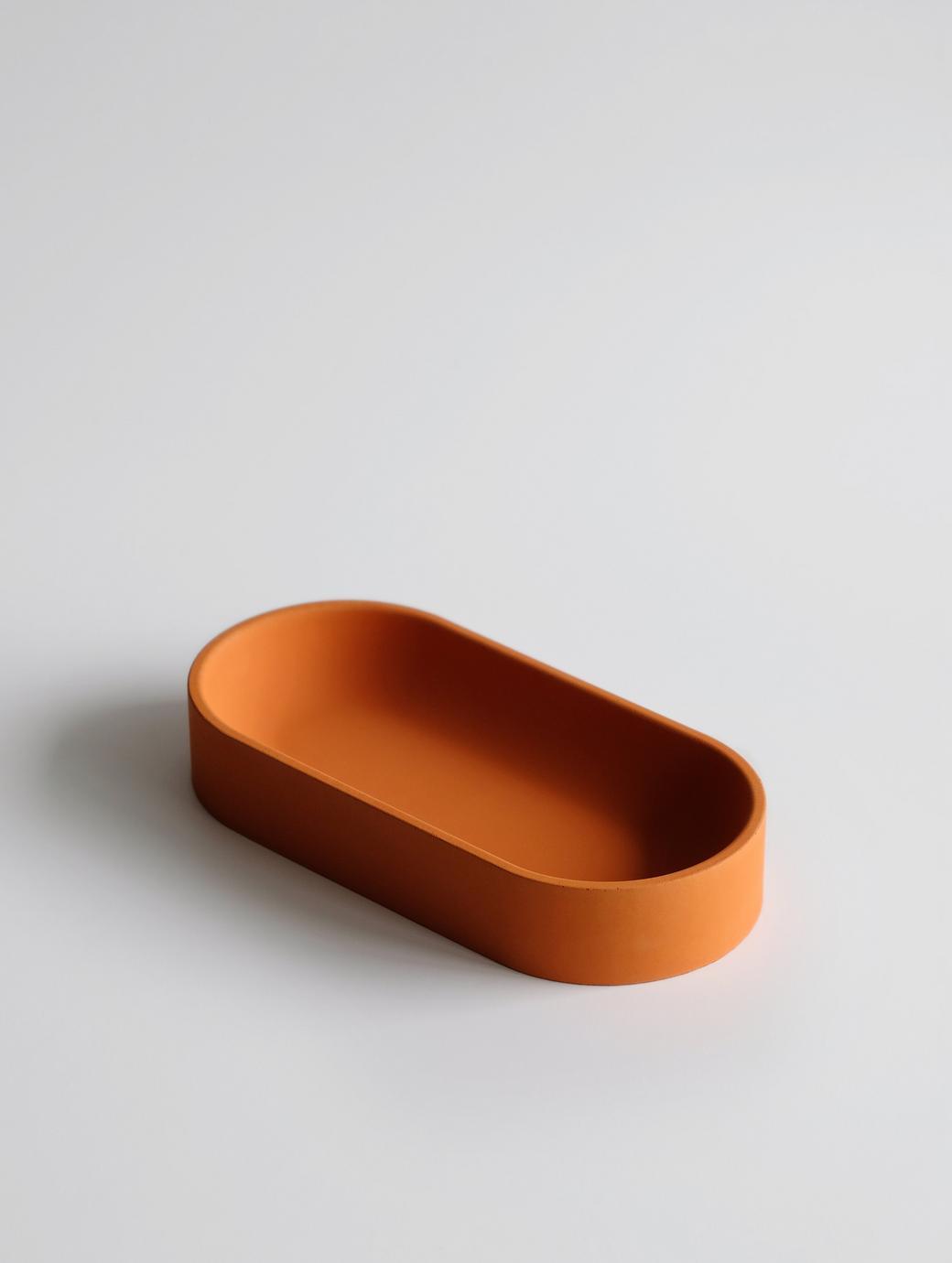 Овальная емкость оранжевая