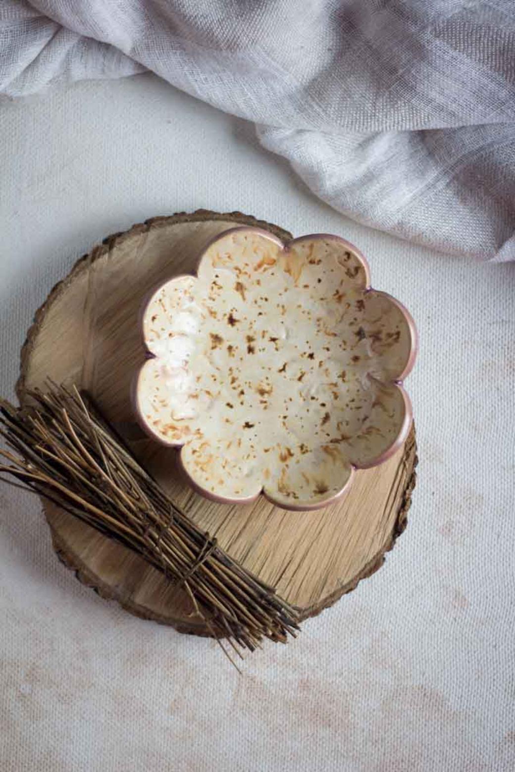 """керамическое блюдце """"Цветок Сахары"""""""