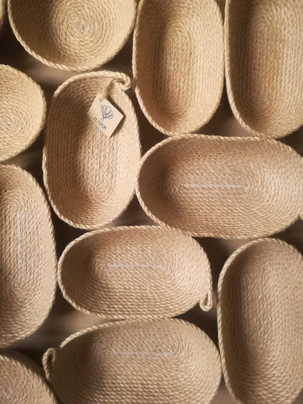 Овальные корзиночки из джута