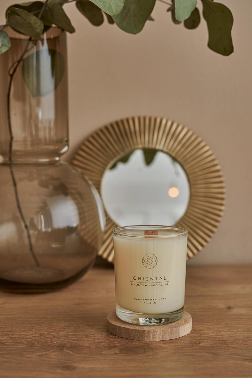 Свеча из кокосового воска с древесным фитилем Oriental